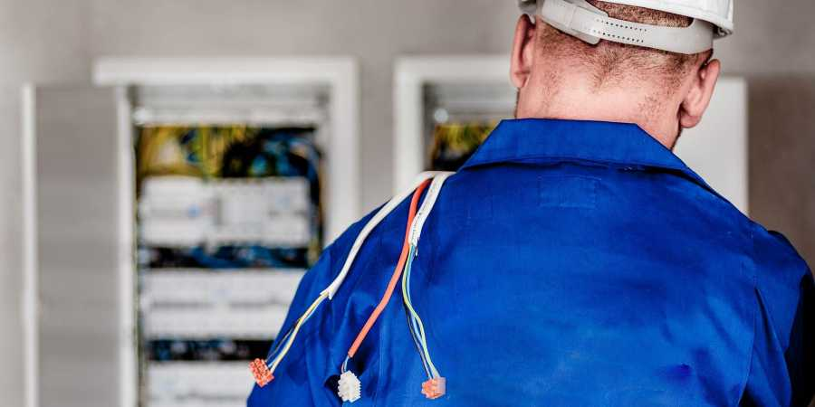 hire licensed electrician