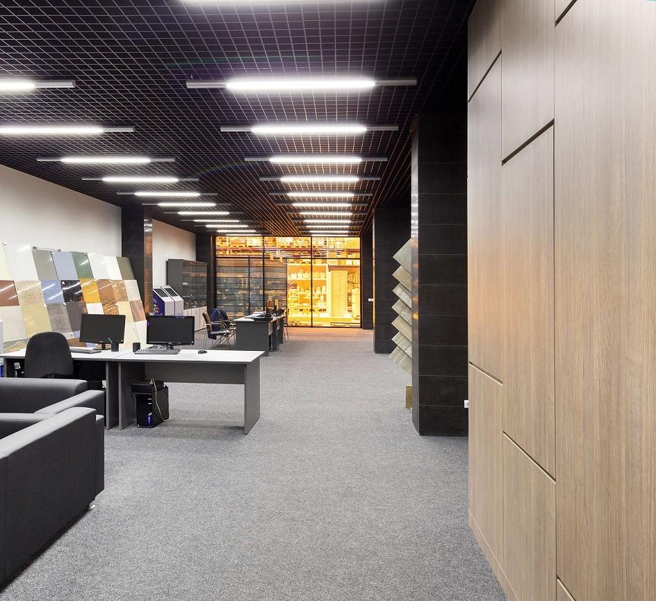 office building potlights installation project